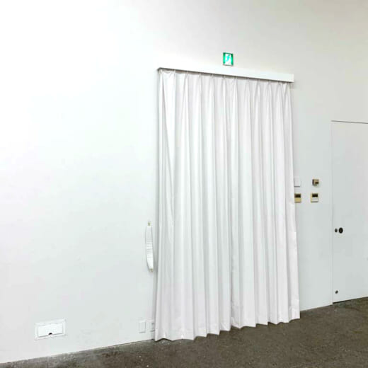 カーテン設置、貸しスタジオとしてもより使いやすく!